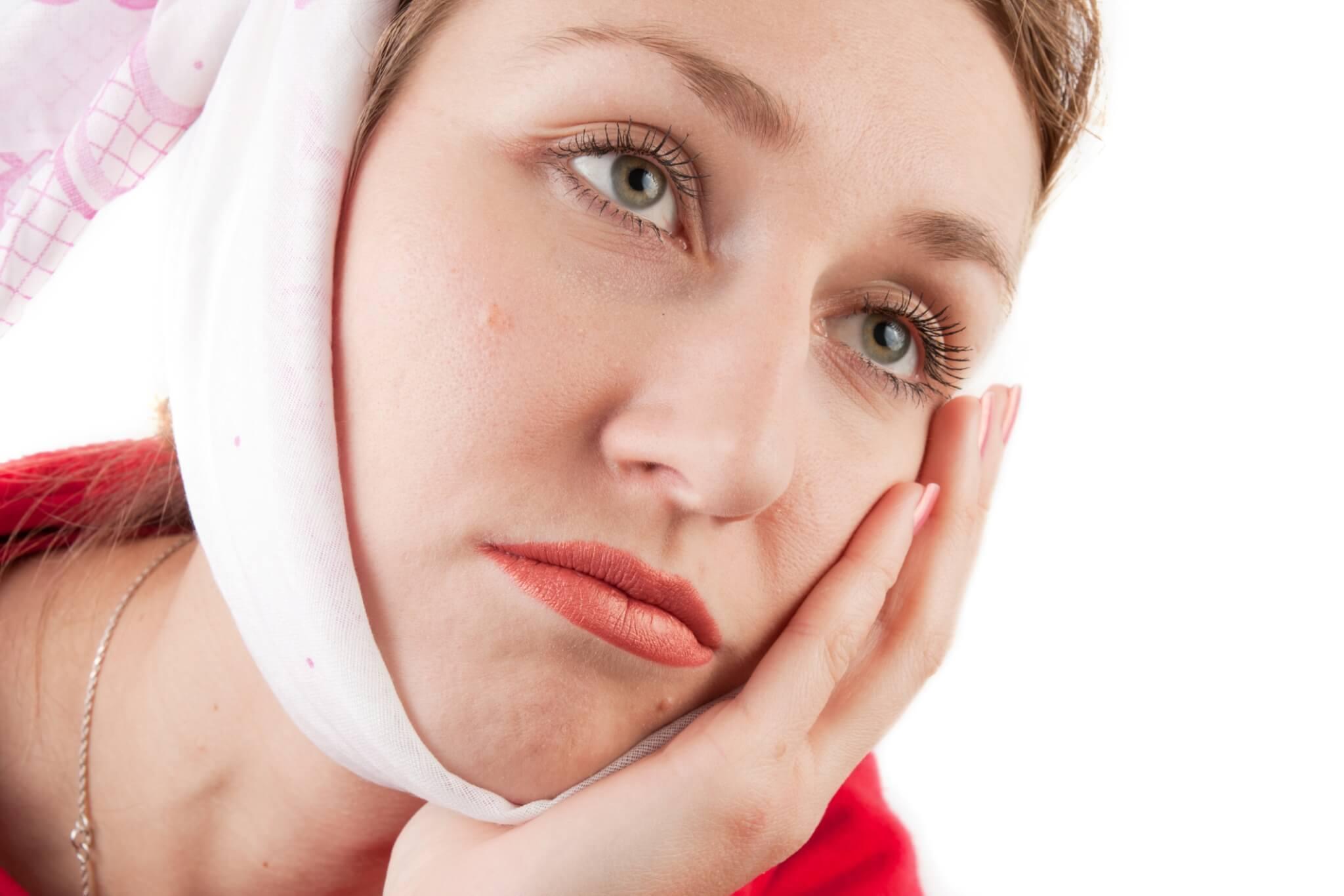 Опухоль на лице чем снять в домашних условиях
